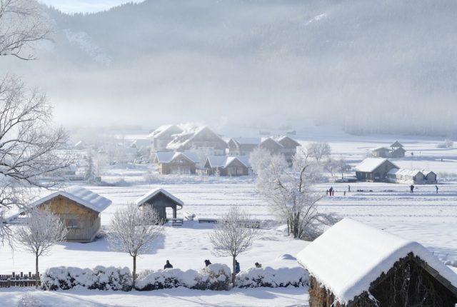 Mieszkanie na wsi a ciężkie śnieżyce
